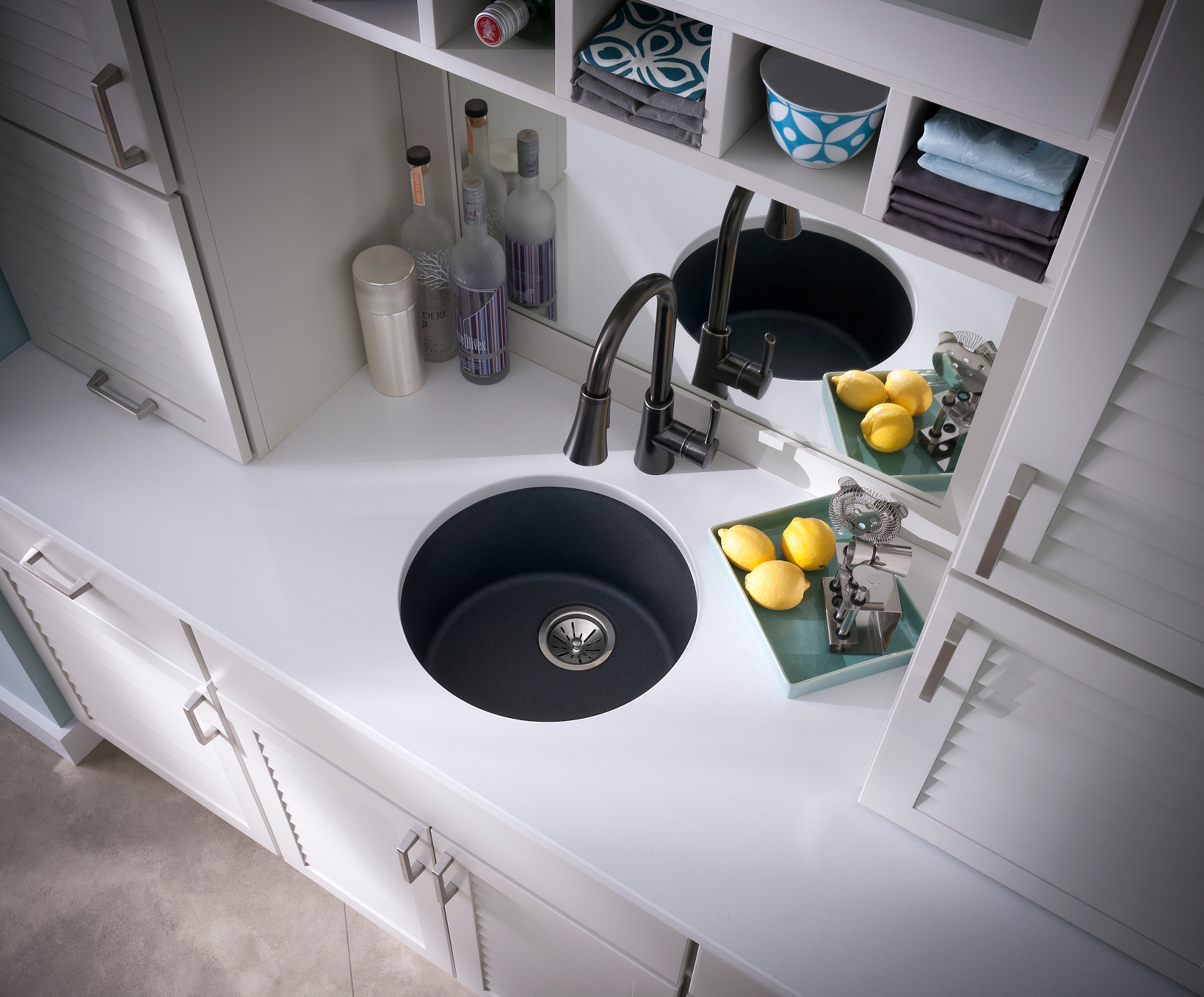 Elkay Quartz Classic 18-1/8in x 18-1/8in x 7-1/2in Single Bowl Dual Mount Bar Sink Dusk Gray