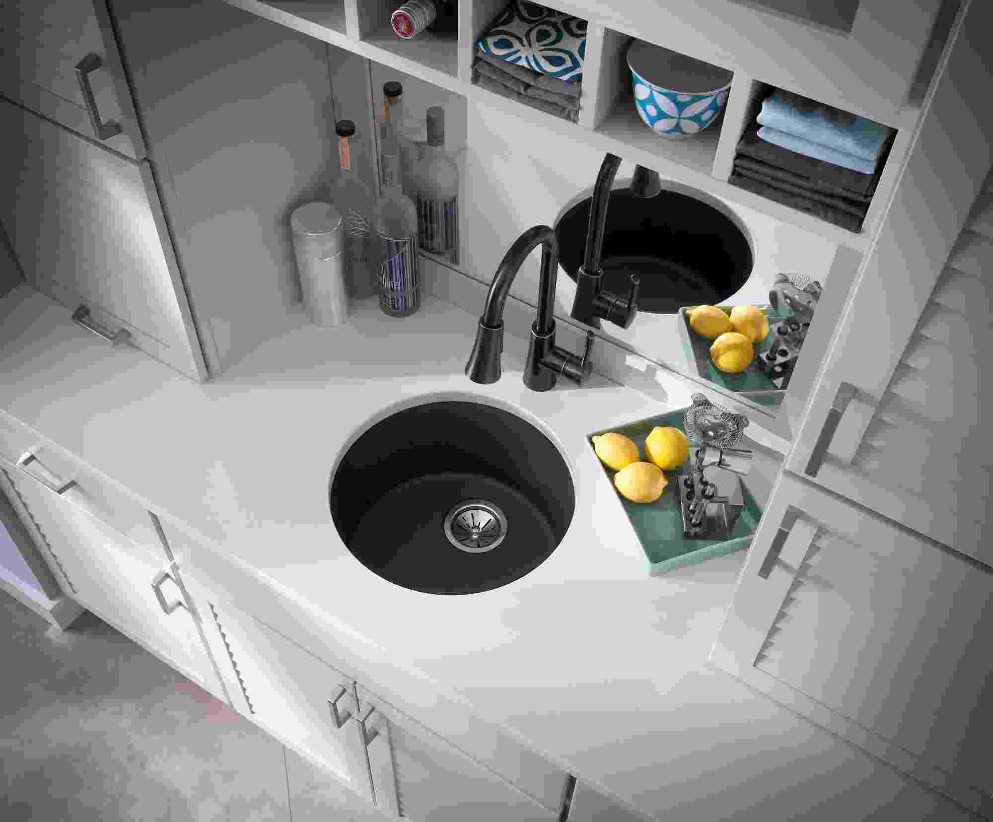 Elkay Quartz Classic 18-1/8in x 18-1/8in x 7-1/2in Single Bowl Dual Mount Bar Sink Greige